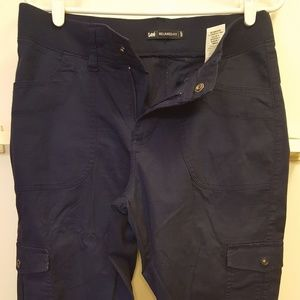 Navy cargo cropped pants